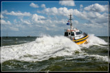 Lynx Goes For A Salty Shower by corngrowth, photography->boats gallery