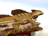 2007 Rose Parade Float: Giant Lizard by bikolnon, Photography->Sculpture gallery