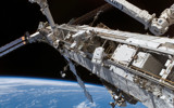 STS-118: Spacewalking. by philcUK, space gallery
