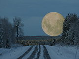 The moon coming down by MarianaEwa, Photography->Manipulation gallery