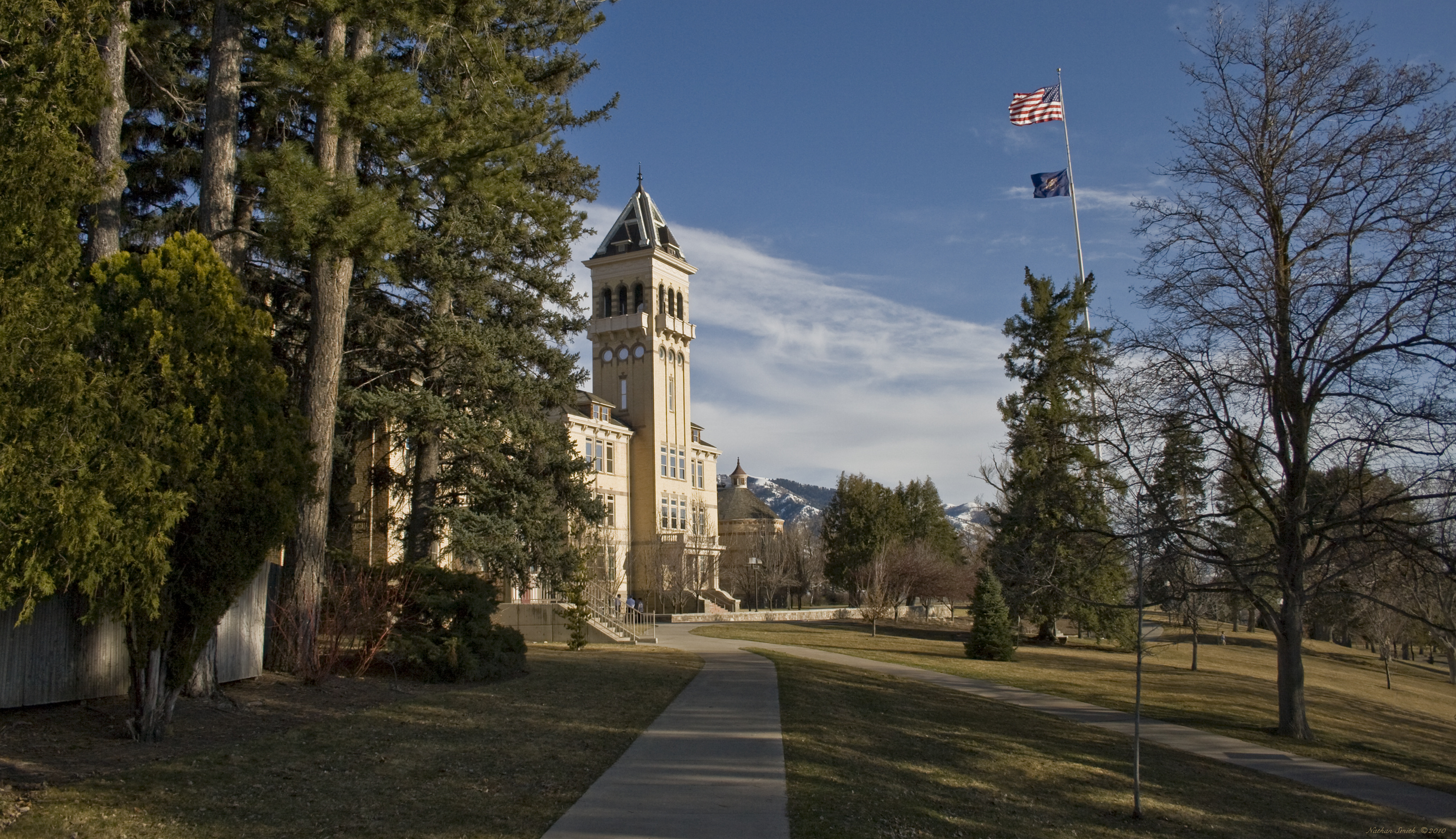 Old Main At Utah State University By Nmsmith Caedes